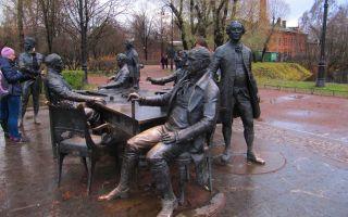 Где находится памятник зодчим санкт-петербурга и кто изображен
