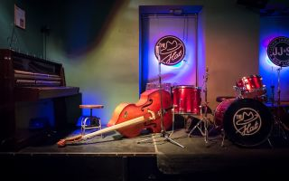 Джаз-бар the hat спб – ежедневные джазовые-сеты