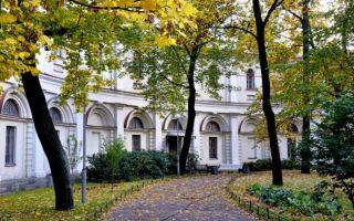 Аничков сад: тихая гавань в шумном городе санкт-петербурге